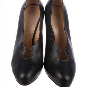 Giuseppe Zanotti round toe pumps black size 8.5